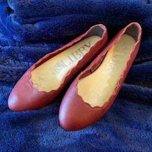 SAM & LIBBY. DARK RED FLATS-SCALLOP PATTERN ON TOP